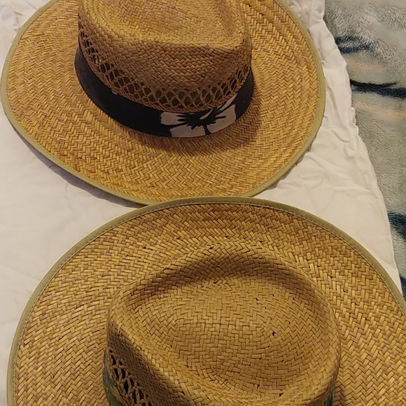 2 mens straw hats